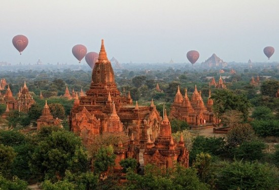 Air Bollooning over Bagan
