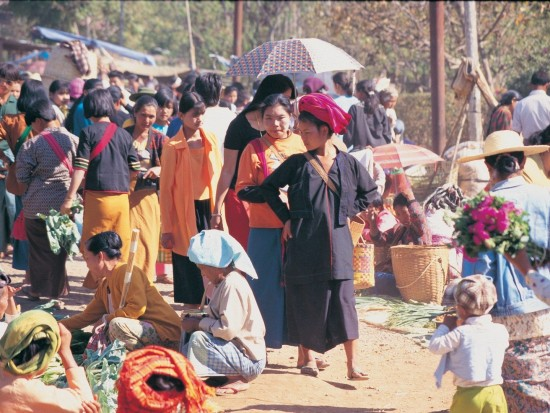 local market inle lake