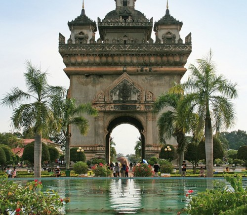 image_manager__img1134_530_10-1-arc-de-triomphe-in-vientiane---jens-frank---x