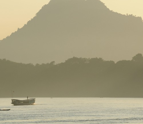 laos_mekong-enjoy_the_vistas_along_the_river_petrowitz_7894